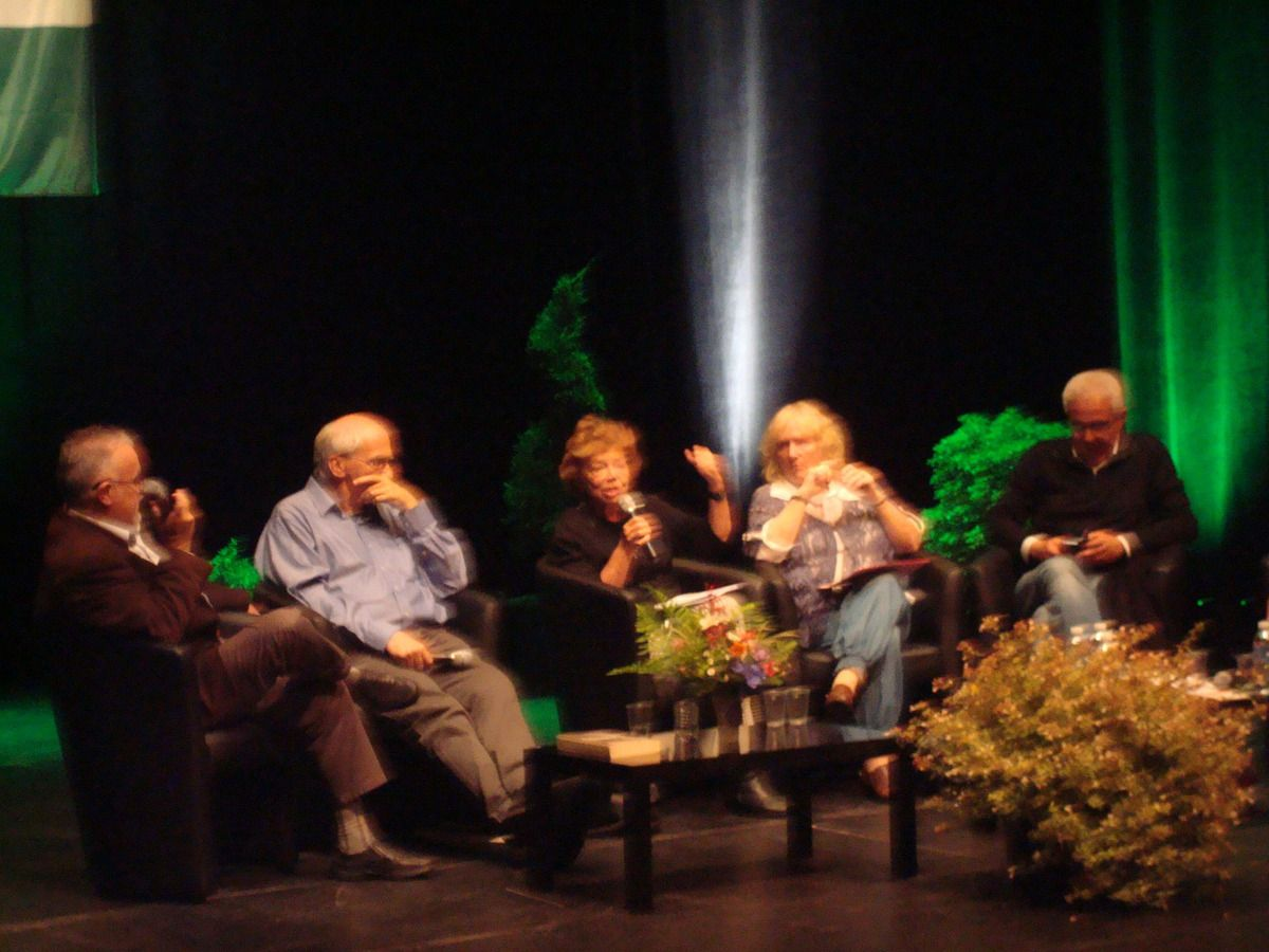 Carhaix et la Bretagne ont la Palestine au coeur: un débat passionnant à l'espace Glenmor de Carhaix avec Leila Shahid, Taoufiq Tahani, Claude Léostic, Sylvain Cypel le 3 octobre