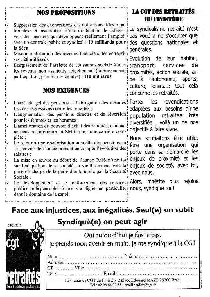5 mars 2016, marché de Morlaix: la CGT distribue un tract pour l'appel au rassemblement des retraités le 10 mars