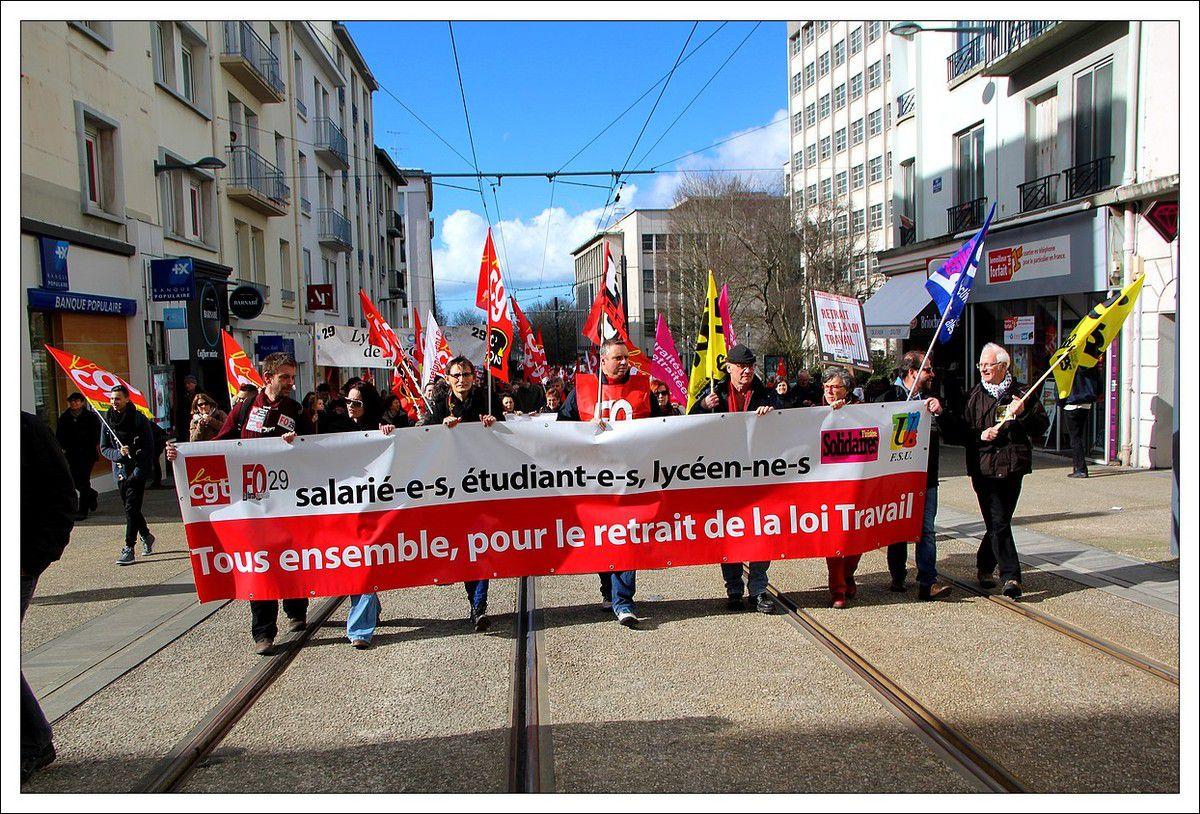 31 mars contre la loi travail:  19 000 manifestants dans le Finistère,  10 000 manifestants à Brest, 2500 à 5000 Quimper, 2000 à Morlaix, 1600 à Quimperlé, 300 à Carhaix, 200 à Concarneau et 100 à Châteaulin (lycéens). Du jamais vu pour un mouvement social depuis les manifs de 2010 contre la réforme des retraites
