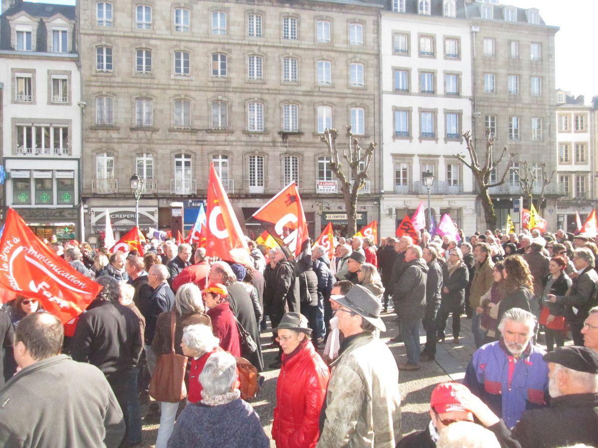Jeudi 31 mars: 2000 manifestants à Morlaix pour le retrait de la loi El Khomri de casse du droit du travail