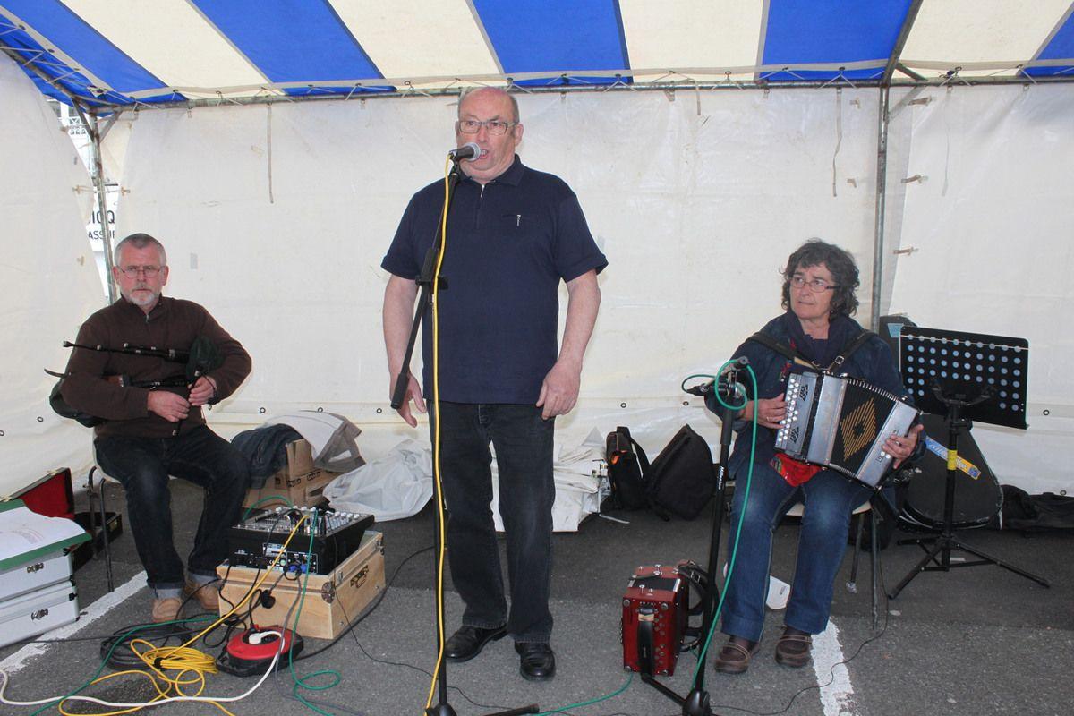 Le Trio Quenderu: accordéon, voix et lowland-pipe avec les Corre de Roscoff