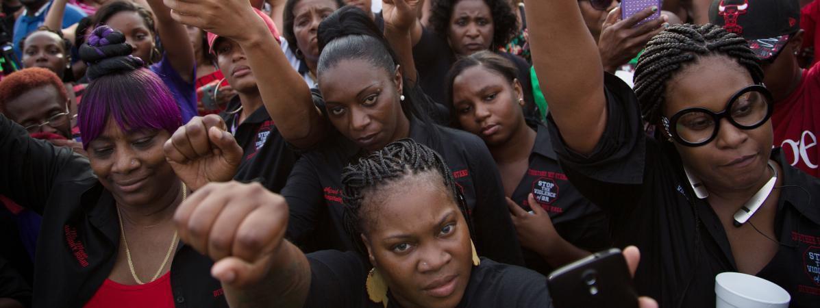 Etats-Unis: pourquoi les policiers qui tuent des afro-américains ne sont (presque) jamais condamnés? - France TV Info