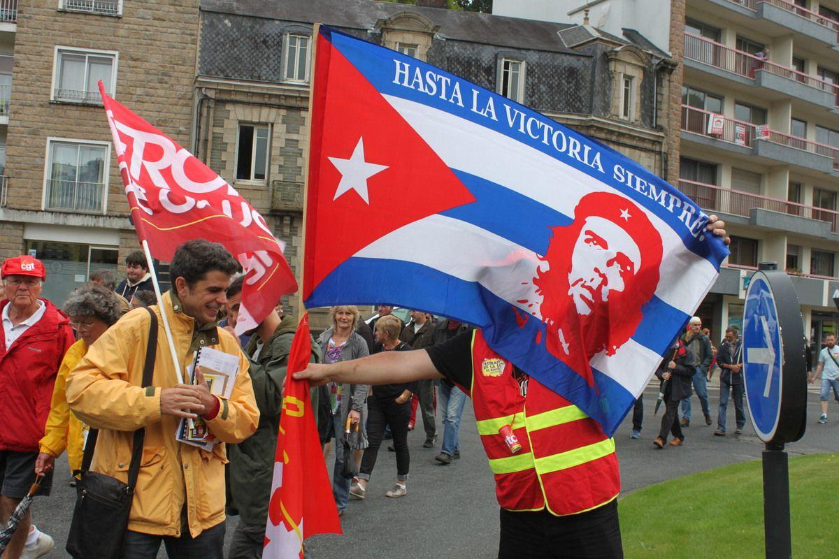 Manifestation pour le retrait de la loi travail à Morlaix: on lâche rien! Photos de Jean-Luc Le Calvez