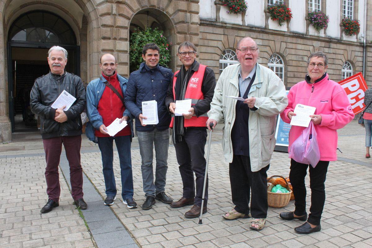 Le samedi 24 septembre, les militants du PCF distribueront un tract devant la mairie de Morlaix: la France a besoin d'une République démocratique, sociale, protrectrice, universelle et fraternelle
