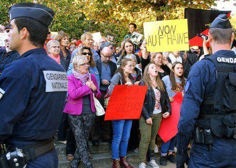 Trégunc: avec entre 500 et 600 personnes, les défenseurs des réfugiés ont mobilisé jeudi dernier (Le Télégramme, 7 octobre)
