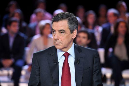 François Fillon a bénéficié de fonds publics détournés au Sénat (Médiapart, Mathilde Mathieu - 28 janvier 2017)