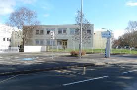 le collège Montaigne dans un quartier populaire de Vannes, sacrifié par le rectorat et le Conseil Départemental: résultat, les établissements privés ne cessent d'accueillir de nouveaux élèves!