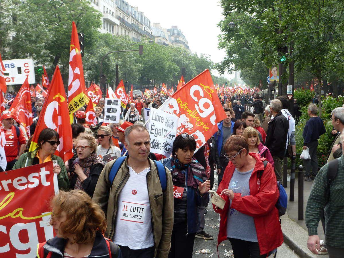 Paris manif contre la loi El Khomri - mai 2017 - va t-on subir 5 ans de régression sociale et démocratique XXL faute d'une entente Hamon-Mélenchon sans laquelle la gauche n'a quasiment aucune chance d'être présente au second tour des Présidentielles?