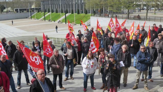 Brest. 100 manifestants pour l'industrie et les services publics  (Ouest-France, 21 mars 2017)