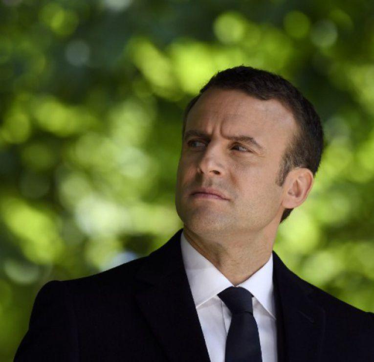 Macron, petit coq prétentieux, ressuscite la philosophie &quot&#x3B;Banania&quot&#x3B; de l'homme africain en quête de civilisation...