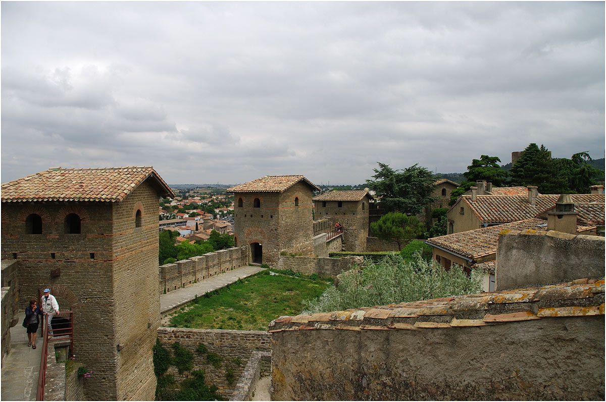 Carcassonne - sur les remparts du château Comtal