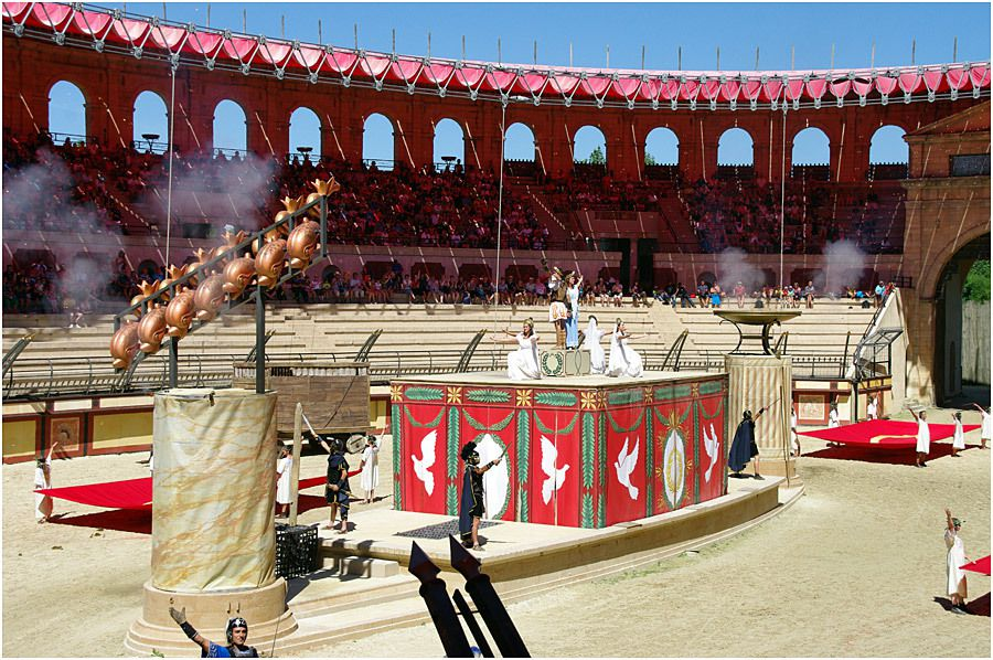 Le Puy du Fou - le stadium Gallo-Romain