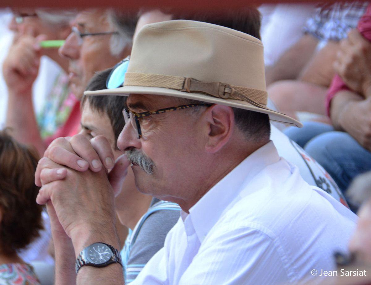 Le réputé charcutier-traiteur de Navarrrenx, Jean-Pierre Casamayou, a acheté un toro de la féria d'Ortès qu'il cuisinera en daube pour la soirée d'ouverture des fêtes de Navarrrenx