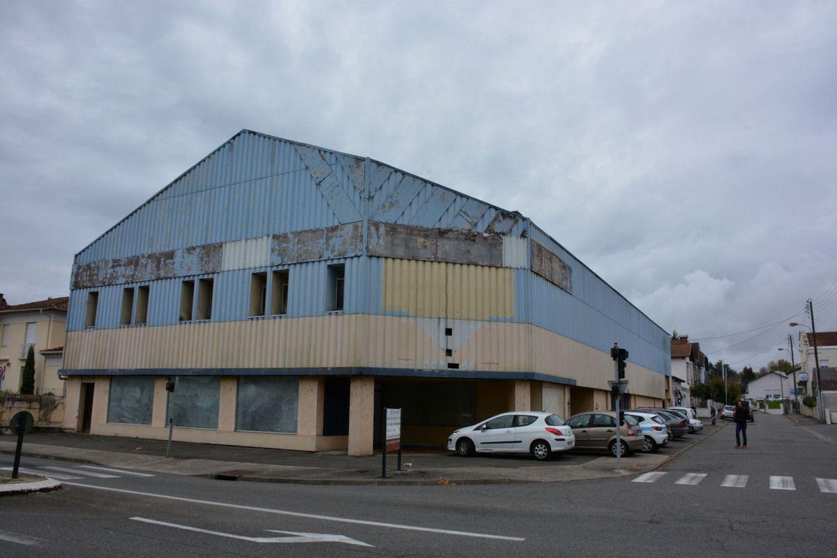 Orthez brasserie et complexe sportif dans l 39 ancien for Dujardin oloron
