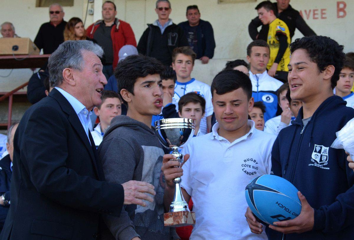 ORTHEZ : La remise des prix du tournoi de Pâques (rugby à XV minimes)