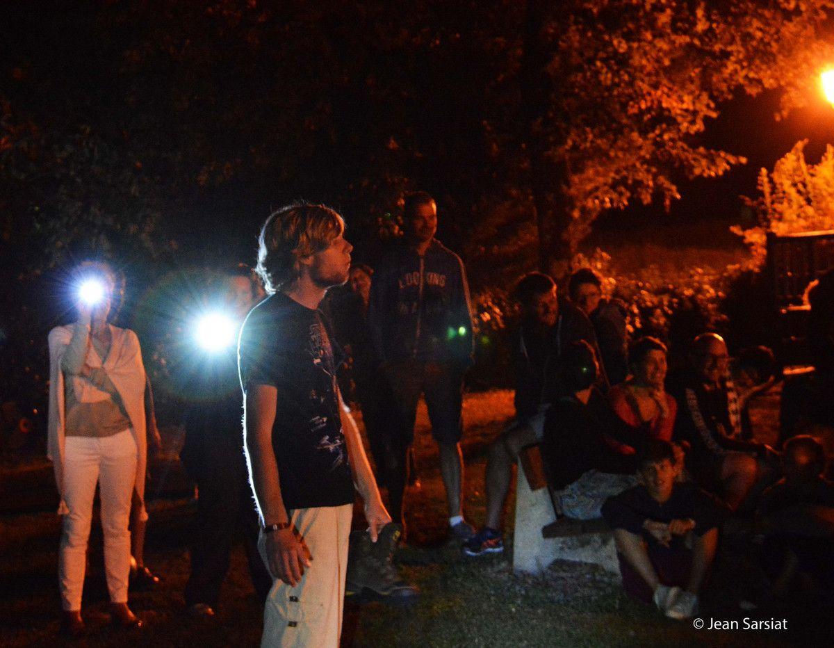 NAVARRENX : SUR LE CHEMIN ... DANS LE SILLAGE DE LA  COMPAGNIE &quot&#x3B;ECLAT DE LYRE&quot&#x3B;