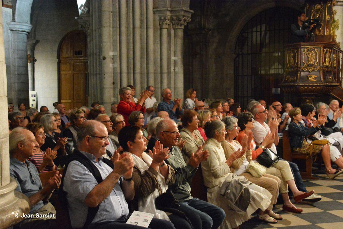 FESTIVAL PIERRES LYRIQUES : LA MESSE DE MOZART A FAIT VIBRER LE CHATEAU DE PAU ET LA CATHEDRALE D'OLORON EN PASSANT PAR St VINCENT DE SALIES