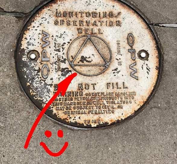 Couvercle de puits d'observation d'un réservoir de carburant (courant aux USA) DO NOT FILL (NE PAS REMPLIR)