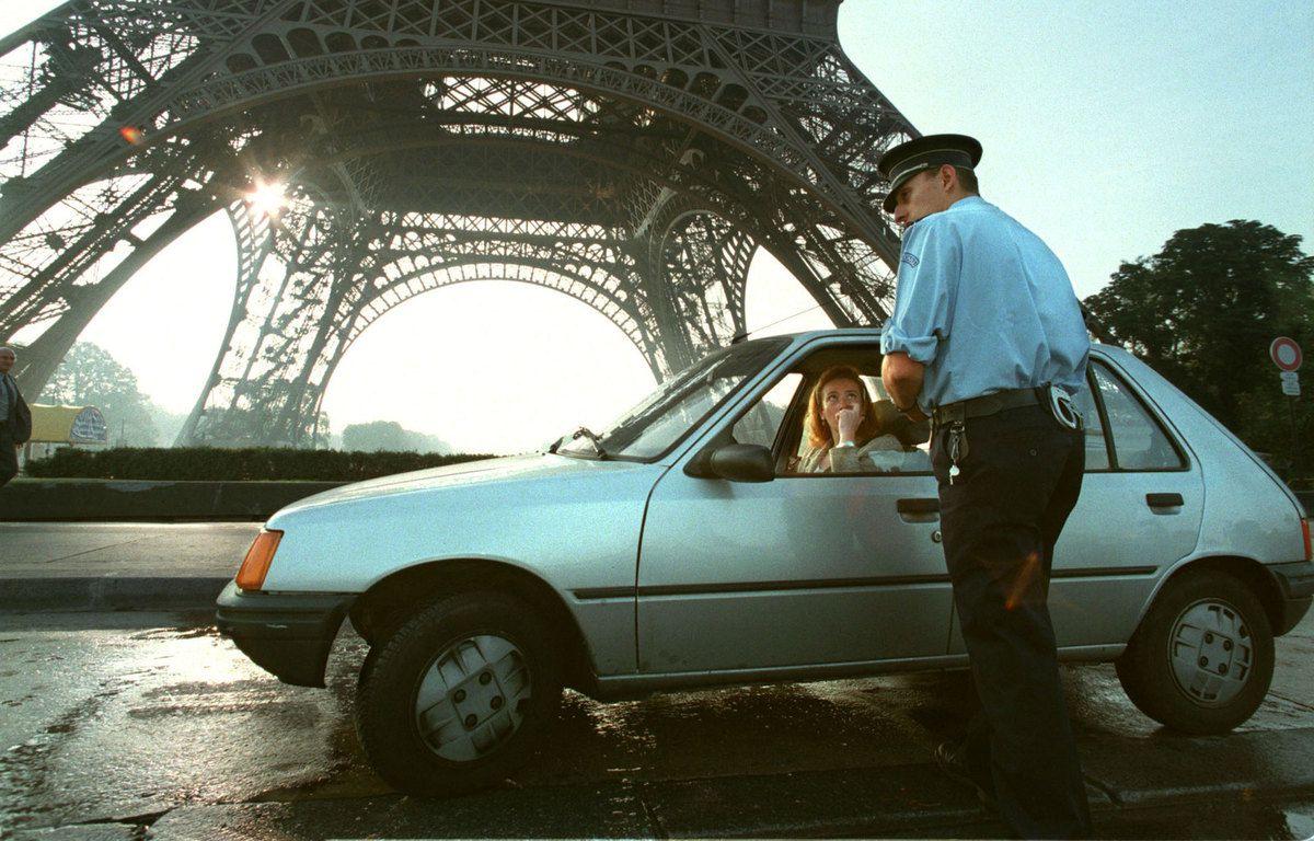 Les voitures de pauvres interdites à Paris...