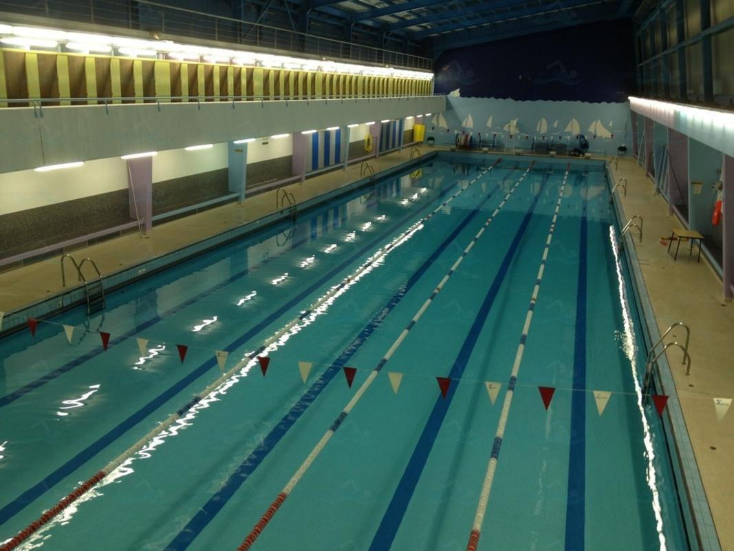 Les maîtres-nageurs parisiens dénoncent les failles de sécurité dans les piscines après une mort par noyade