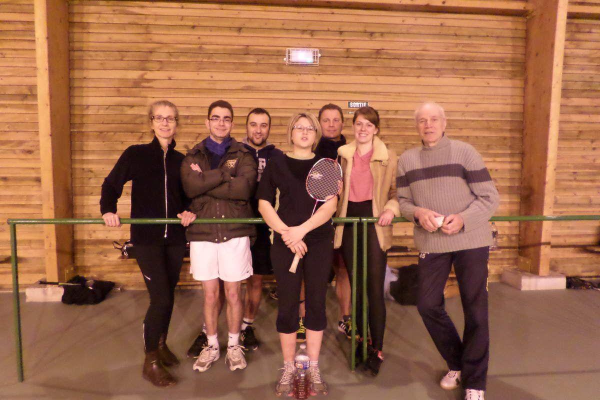 la prochaine fois, tous ont promis de porter le maillot jaune du LMA ... la photo n'en sera que plus belle (lol) de gauche à droite : Myriam, Killian, Jérôme, Aurélie, Laurent, Laureen et Antony (le coach)