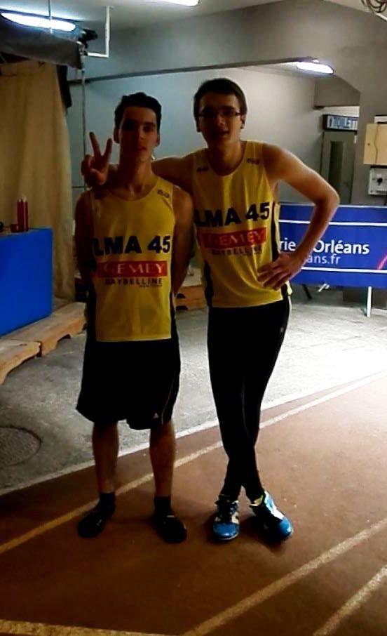 Hugo après son 400m complètement déstressé ... sur la gauche de Florian pour ceux qui ne l'aurait pas reconnu !