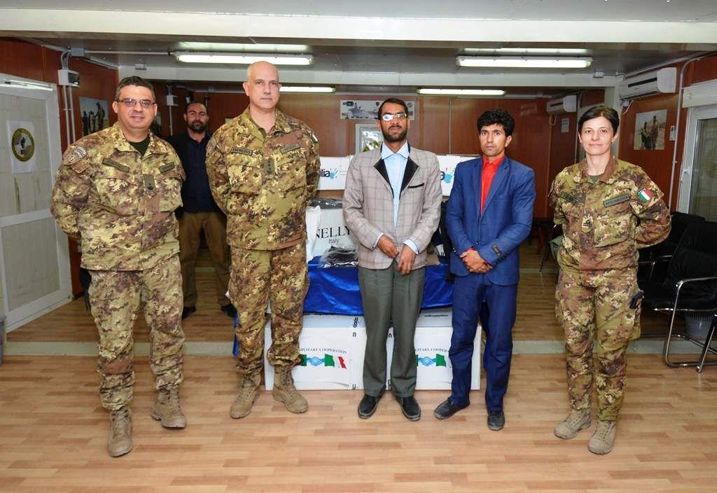 Afghanistan:militari italiani donano materiali all'ospedale di Herat