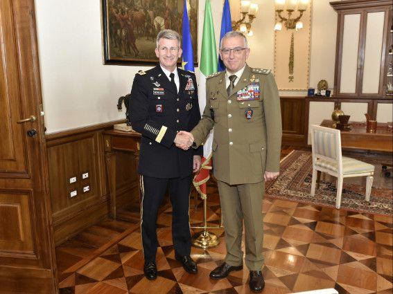 Roma:Generale Nicholson ringrazia militari italiani per loro operato in Afghanistan e riceve decorazione interforze