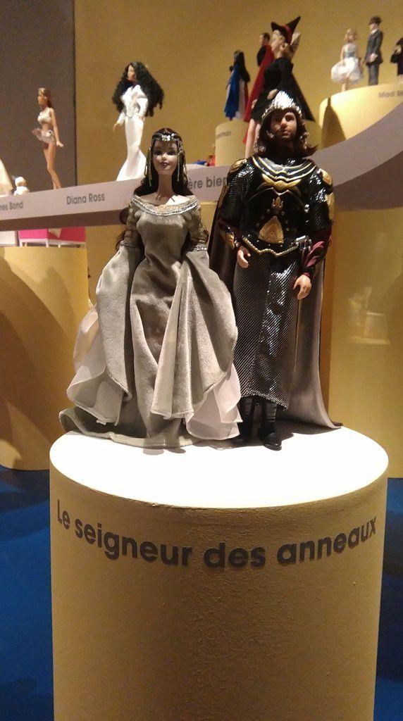 Exposition sur les Barbies à Paris