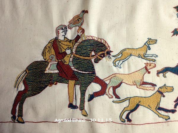 scène de chasse  au point de Bayeux terminée