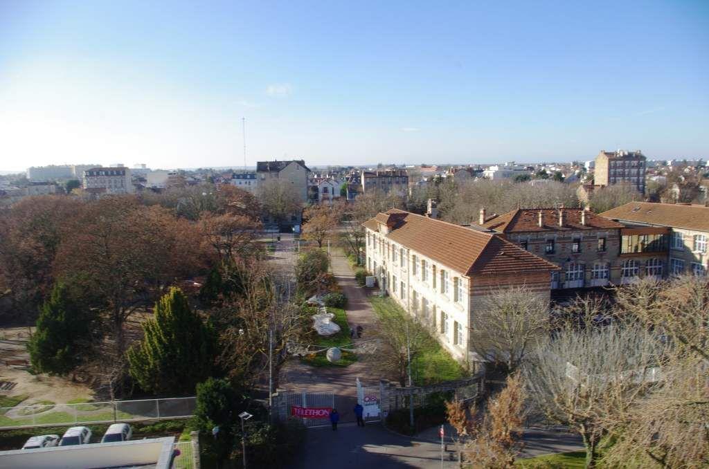 Les environs de la mairie et du marché couvert de Houilles
