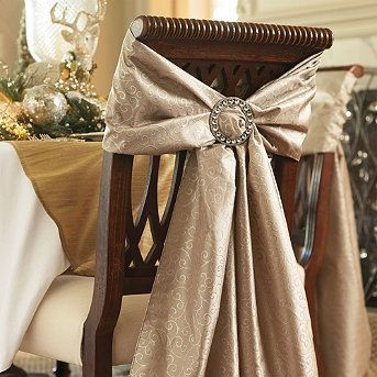decoration de chaise avec boucle en strass