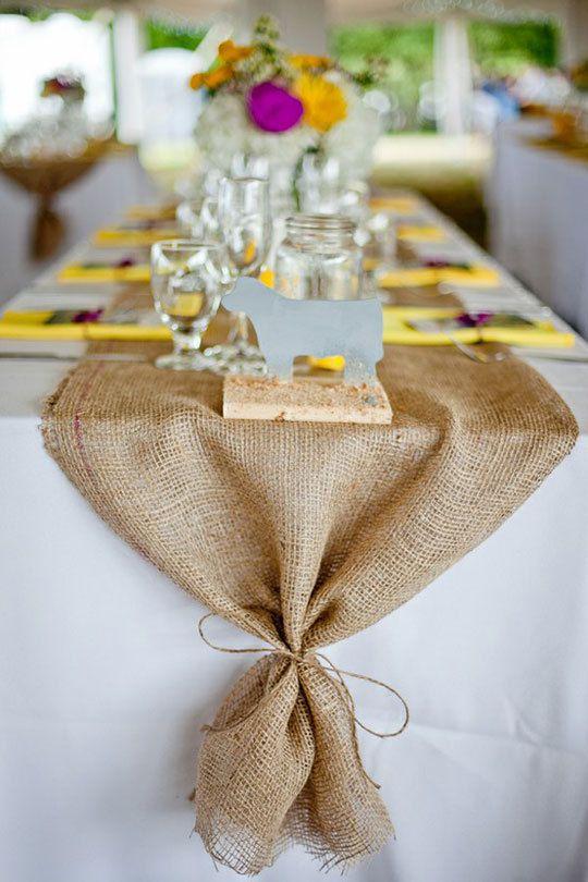 chemin de table mariage en toile de jute