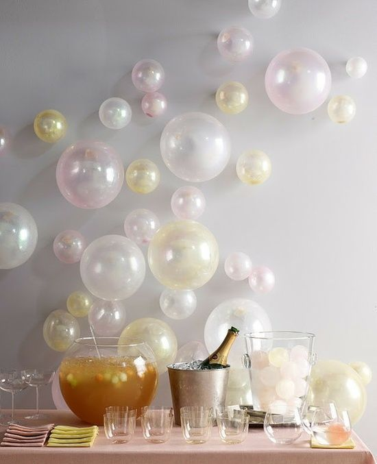 idees deco-ballons sur mur arriere plan candy bar