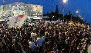 """Manifestation à l'appel du PAME et du KKE contre le nouveau mémorandum et """"l'union sacrée"""""""
