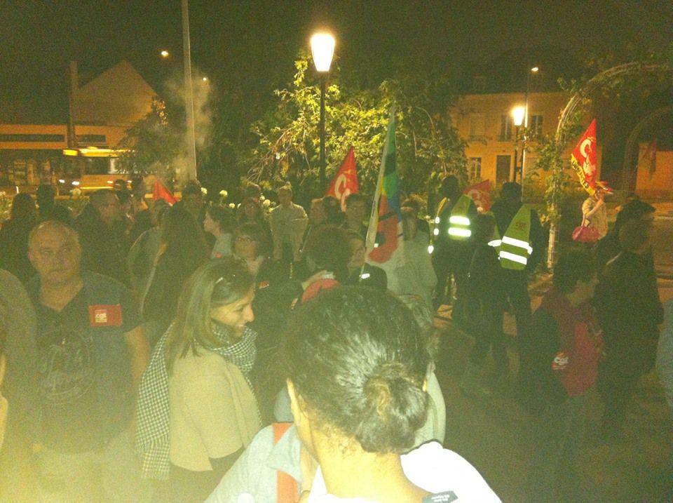 Mercredi 18 octobre plus de 150 agents municipaux, militants de la CGT et de la FSU en soutien au mouvement social avant le Conseil municipal