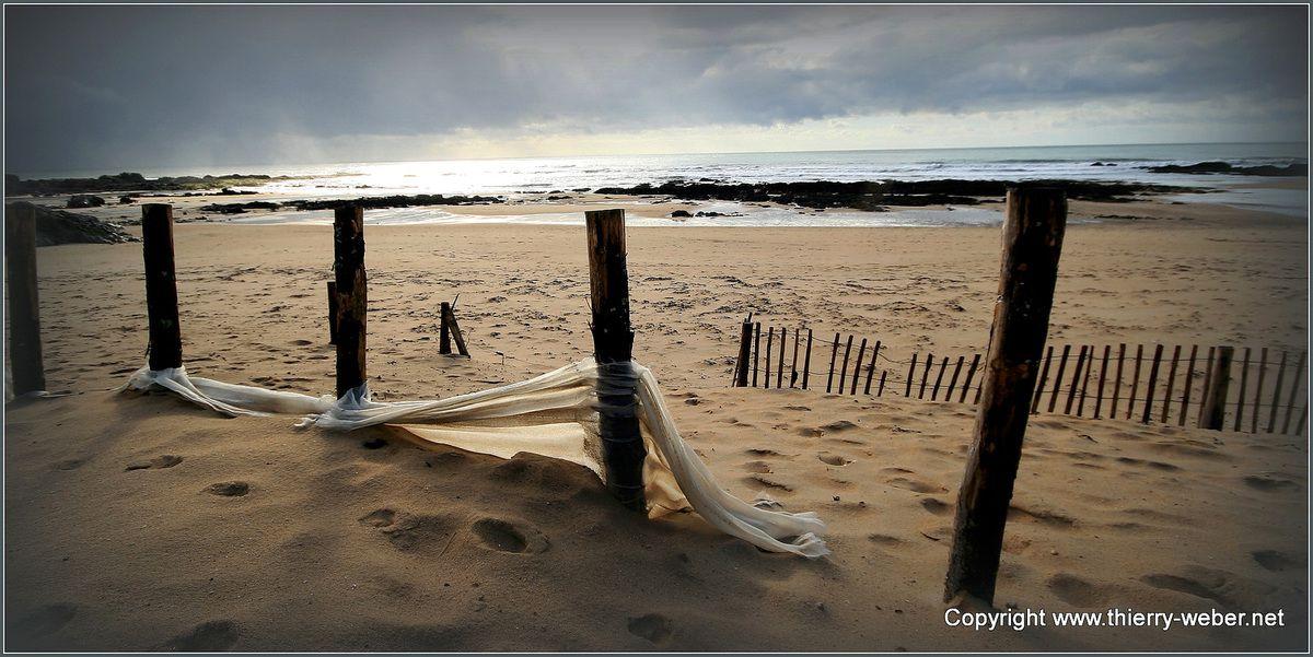 Les ganivelles de La plage de La Govelle à Batz-sur-Mer