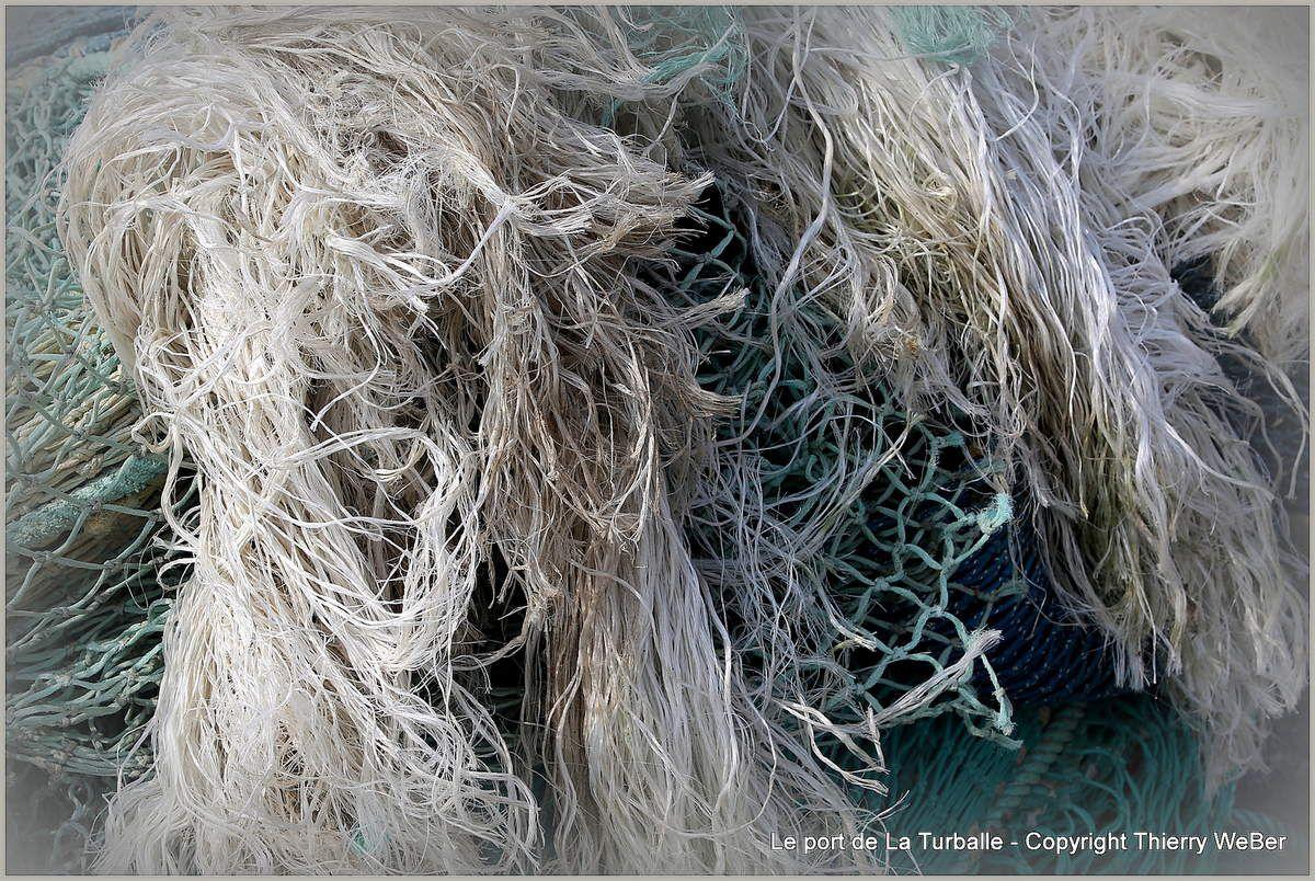 Sacs de noeuds Les filets de pêche dans le port de La Turballe