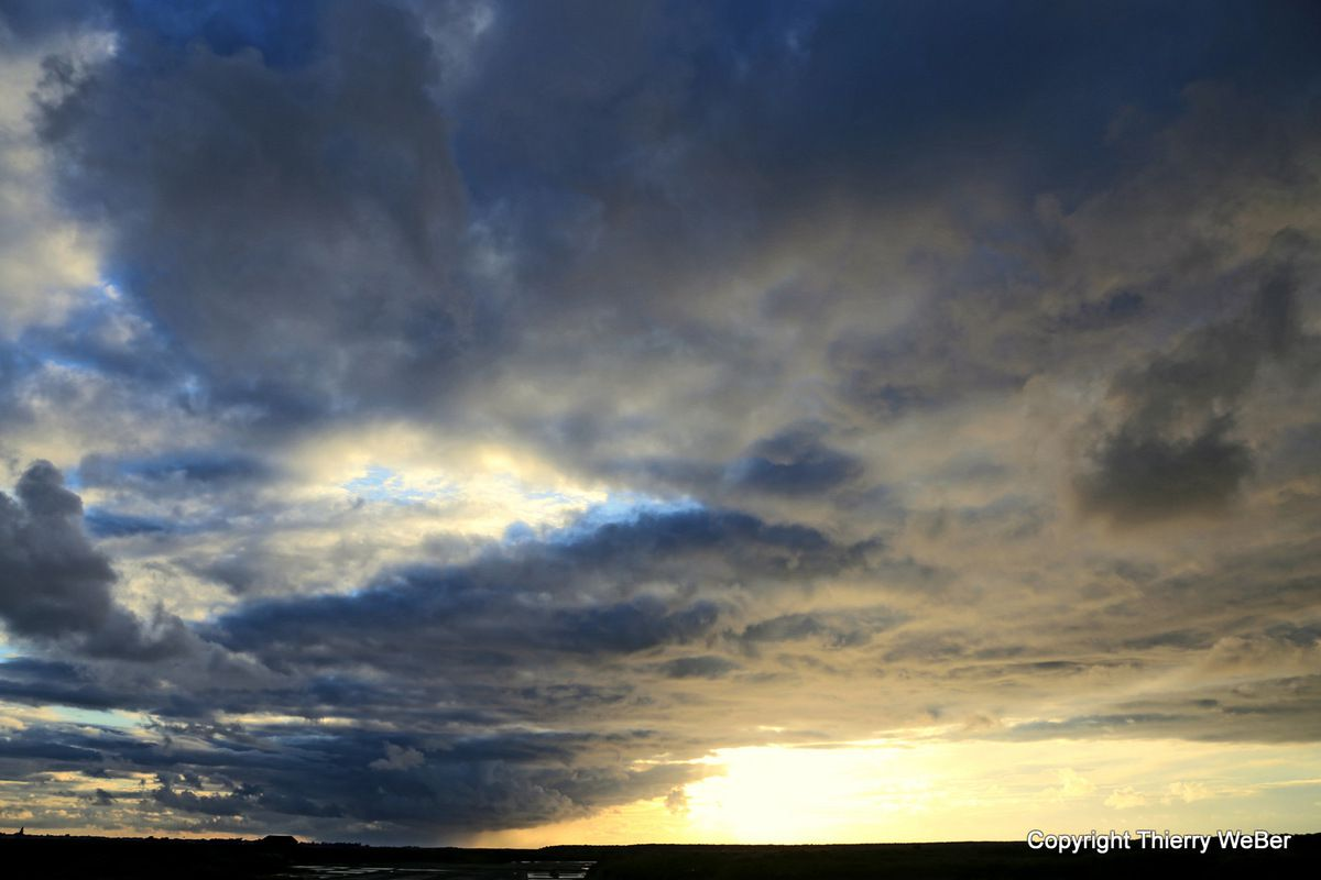 Les ciels dans les marais-salants de Guérande