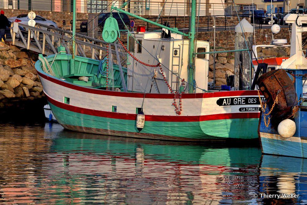 Le sardinier &quot&#x3B;Au gré des Vents&quot&#x3B; sur le Port de La Turballe, bateau de pêche de type sardinier