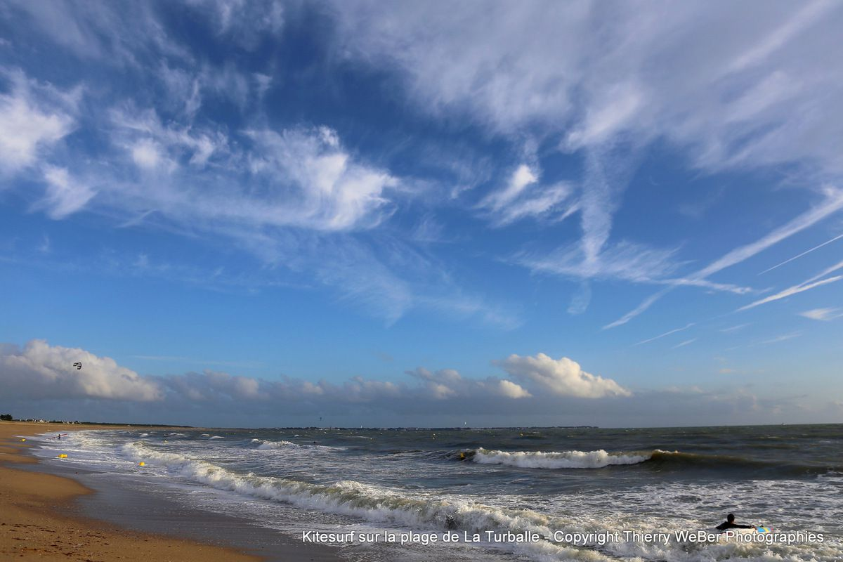 Kitesurf sur la plage des Bretons à La Turballe