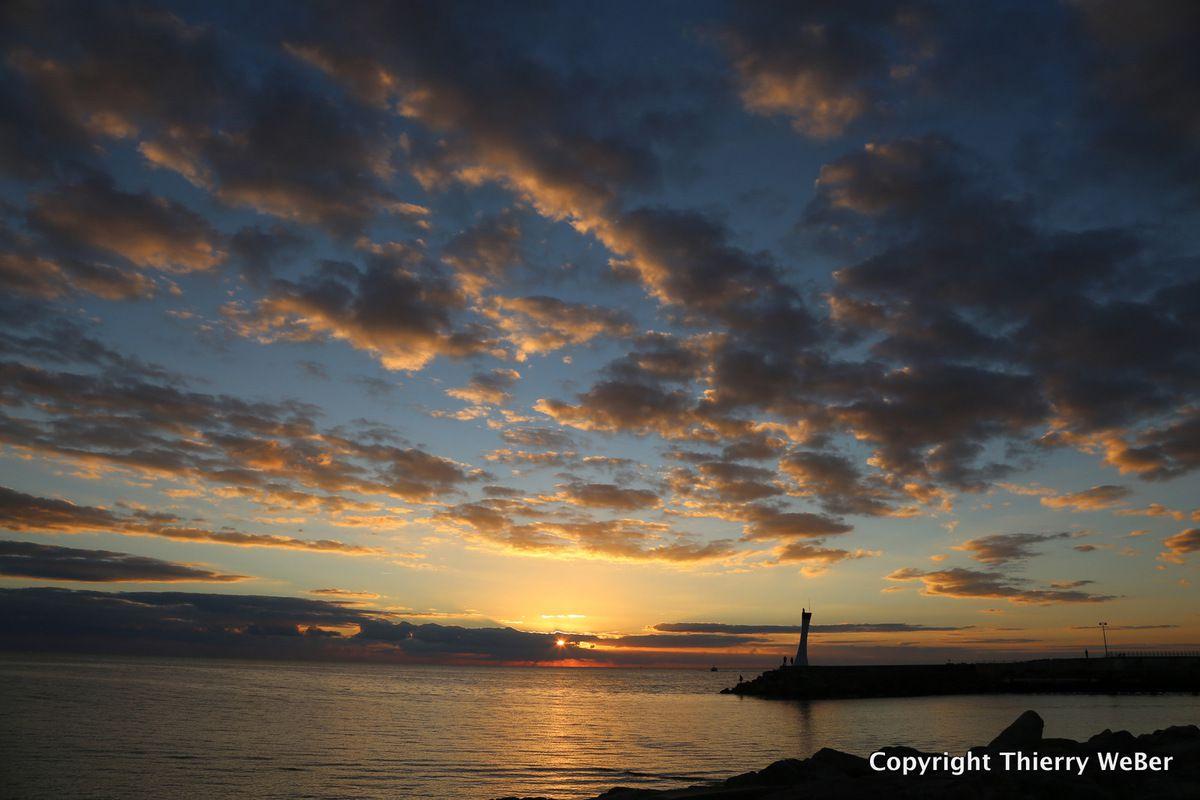 Crépuscule sur le port de La Turballe