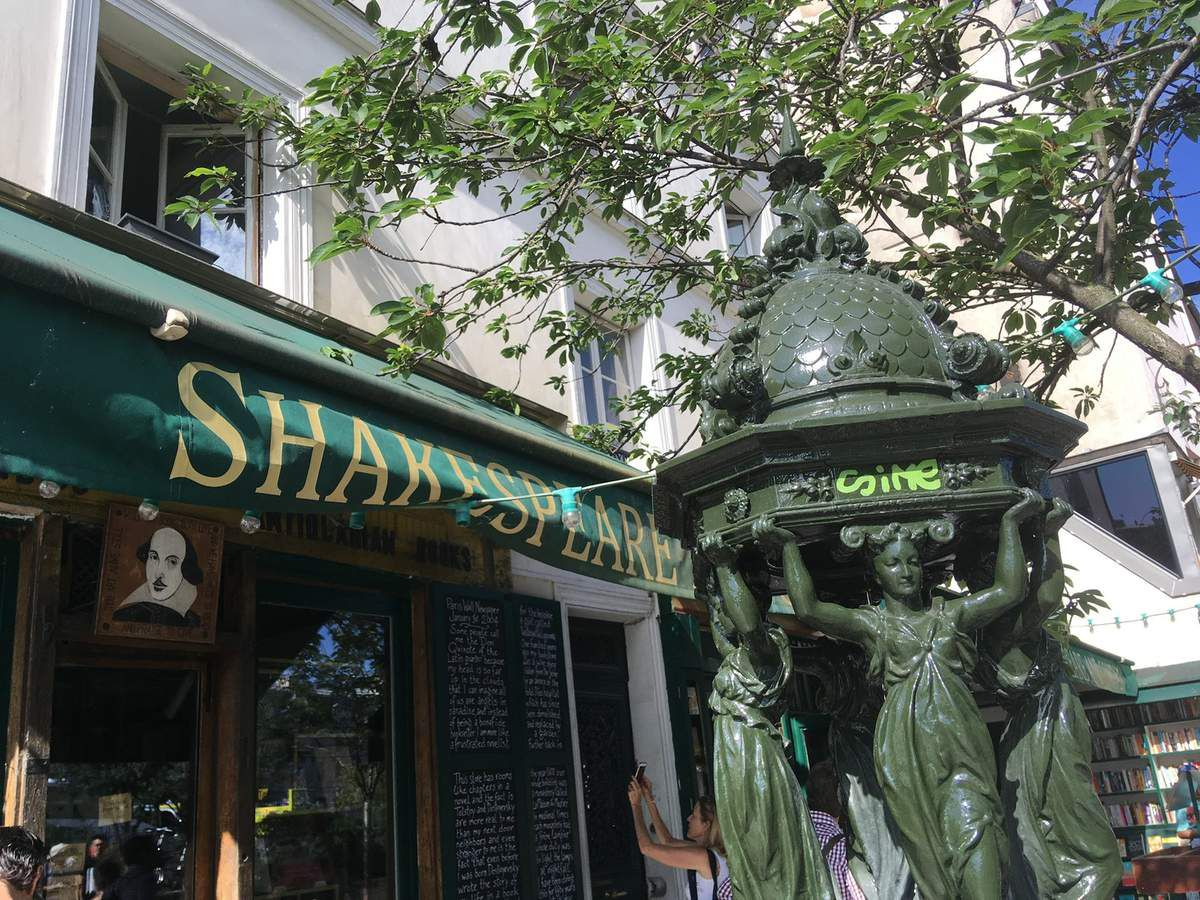 Librairie Shakespeare and compagny.