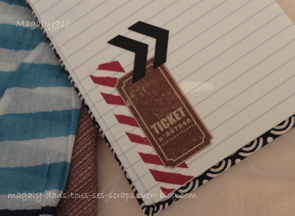 Carnet de voyage et sa boîte