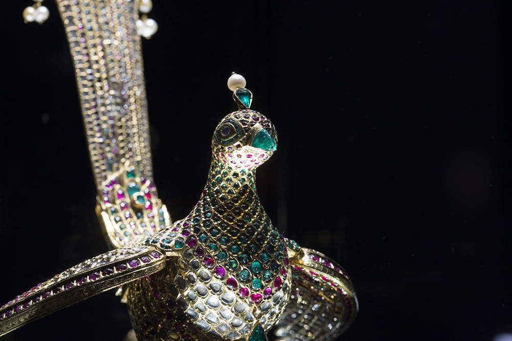 Le V&amp&#x3B;A et Bejewelled Treasures: The Al Thani Collection