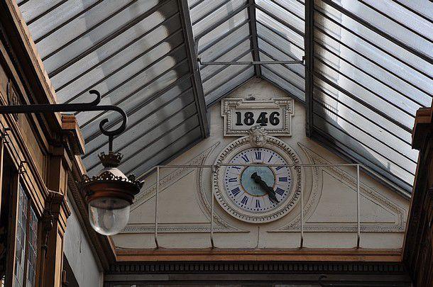 « L'heure, c'est l'heure &#x3B; avant l'heure, c'est pas l'heure &#x3B; après l'heure, c'est plus l'heure. » de Jules Jouy