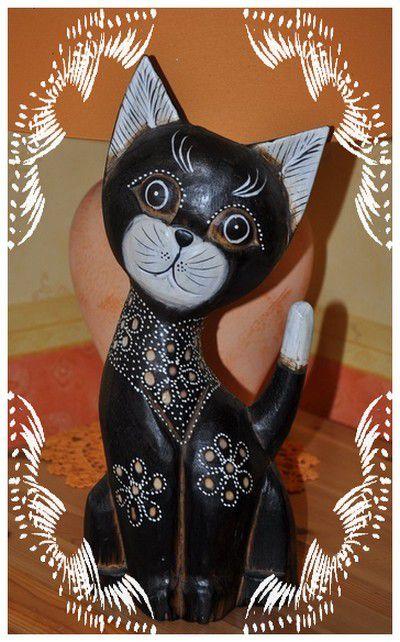 Les Chats dans la ronde...mes petites statuettes