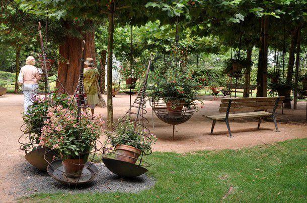 La Place aux Fuchsias, la Roseraie, le Jardin de Dahlias...