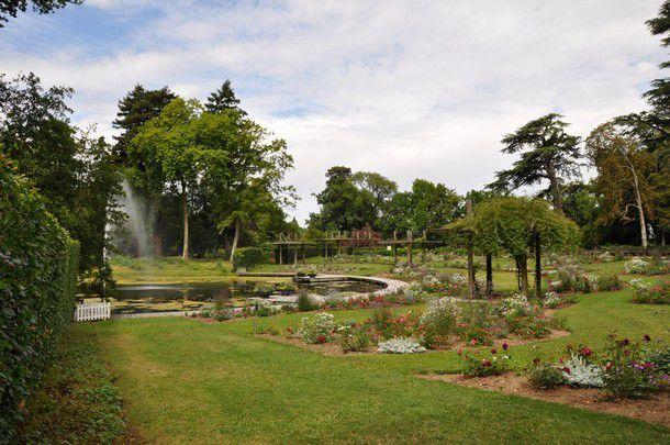 La place aux fuchsias la roseraie le jardin de dahlias for Le jardin aux epilobes
