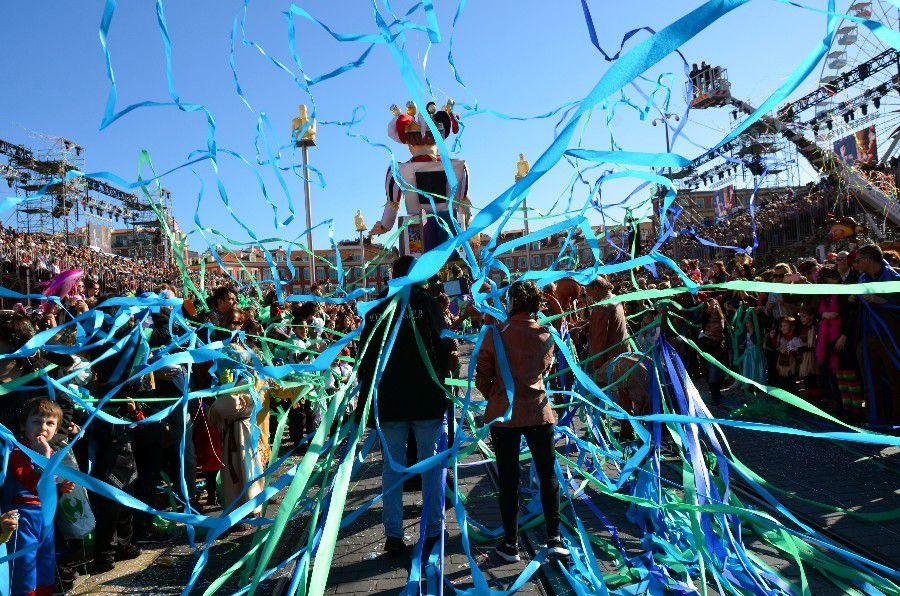 CARNAVAL DE NICE 2016 ROI DES MEDIAS (1er PARTIE)